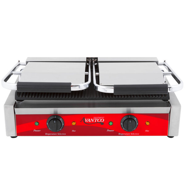 Avantco P84 Double Grooved Commercial Panini Sandwich Grill - 120V, 3500W
