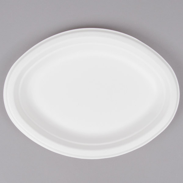EcoChoice Biodegradable, Compostable Sugarcane / Bagasse 7 1/2 inch x 10 inch Oval Platter - 125/Pack