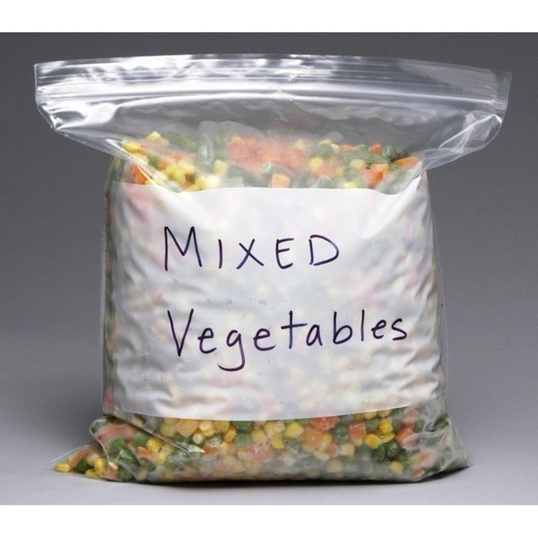 Plastic Food Bag 6 inch x 8 inch Pint Size Seal Top with White Write On Block - 1000/Case