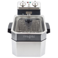 Waring WDF1000 10 lb. Commercial Countertop Deep Fryer - 120V