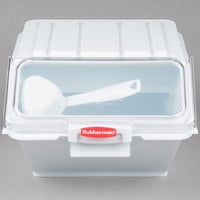 Rubbermaid FG9G6000WHT 40 Cup ProSave Shelf Ingredient Bin with 1/2 Cup Measuring Scoop